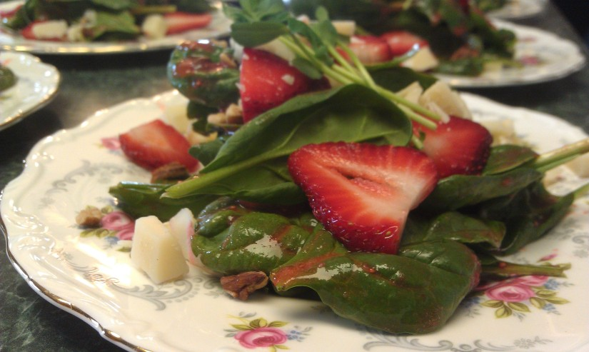 Spinach Salad with Strawberries and GoatCheese